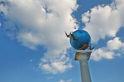 Monumento del globo a Kiev Fotografie Stock Libere da Diritti
