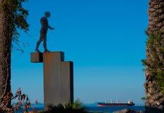 Monumento del hombre el caminar de alambre Imagen de archivo
