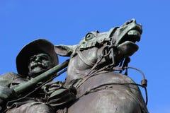 Monumento del metal del general en caballo Imagen de archivo