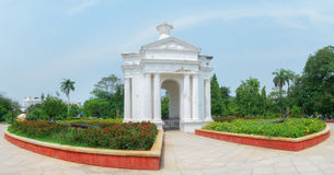 Monumento del parque de Aayi Mandapam en Pondicherry, la India Foto de archivo libre de regalías