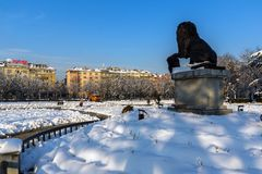 Monumento del primer y sexto regimiento de infantería en parque delante del palacio nacional de la cultura Imagen de archivo libre de regalías