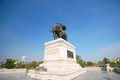 Monumento del re Naresuan. fotografie stock libere da diritti