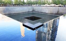 Monumento 11 del ` s 9 de NYC en el punto cero del World Trade Center Imagen de archivo libre de regalías
