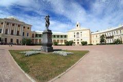 Monumento del `s del palacio y de Paul de Pavlovsk Fotos de archivo libres de regalías