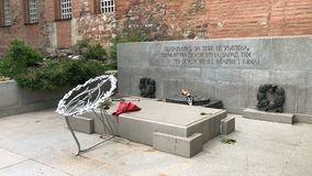 Monumento del soldato sconosciuto a Sofia video d archivio