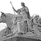 monumento di albert nel kingdome di Londra Inghilterra e nella vecchia costruzione Fotografia Stock
