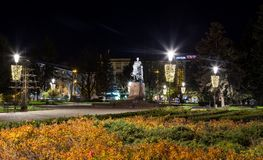 Monumento di Bohdan Khmelnytsky nel centro urbano Ternopil, Ucraina immagini stock