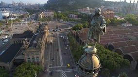 Monumento di Columbus a Barcellona stock footage