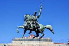 Monumento di generale Belgrano davanti alla casa Rosada (casa rosa) Fotografie Stock Libere da Diritti