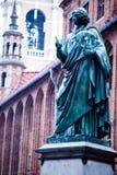 Monumento di grande astronomo Nicolaus Copernicus, Torum, Polonia Fotografia Stock
