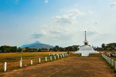 Monumento di Keysone nel pakse Laos al periodo di siccità immagine stock