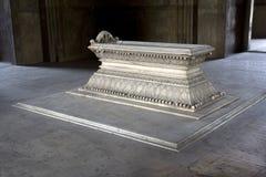 Monumento di marmo della tomba Fotografia Stock Libera da Diritti