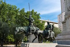Monumento di Miguel Cervantes - Don Quijote e Sancho Panza, Madrid immagini stock libere da diritti