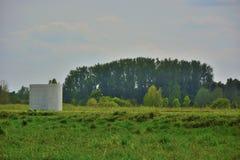 Monumento di pace nella parte del sud dello stagno verde Gand Bru immagini stock libere da diritti