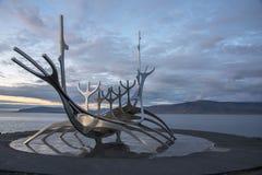 Monumento di The Sun Voyager, Reykjavik, Islanda 2 Fotografie Stock Libere da Diritti