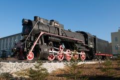 Monumento di vecchia locomotiva di vapore. Fotografia Stock