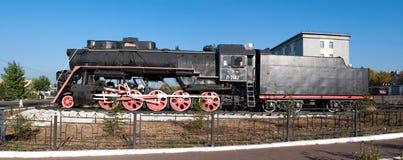 Monumento di vecchia locomotiva di vapore. Fotografie Stock