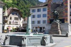 Monumento di Wilhelm Tell sulla capitale cantonale di Altdorf Fotografie Stock Libere da Diritti