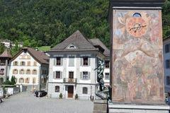 Monumento di Wilhelm Tell sulla capitale cantonale di Altdorf Immagine Stock