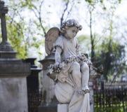 Monumento do anjo e da cruz fotos de stock