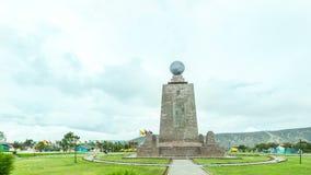 Monumento do equador vídeos de arquivo