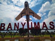 Monumento dos aviões do Mig 17 em um lugar público foto de stock royalty free