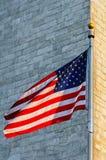 Monumento e bandiera americana di Washington Fotografia Stock Libera da Diritti