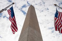 Monumento e bandierine di Washington fotografia stock