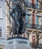 Monumento e estátua de Goya no museu de Prado no Madri fotografia de stock