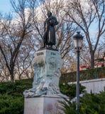 Monumento e estátua de Goya no museu de Prado no Madri foto de stock