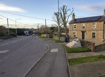 Monumento a Eddie Cochrane en Chippenham junto al camino imagen de archivo
