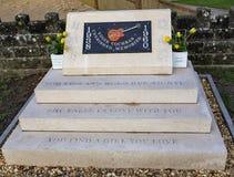Monumento a Eddie Cochrane en el cierre de Chippenham para arriba fotos de archivo