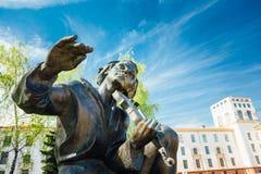 Monumento em honra do poeta nacional And Writer fotos de stock