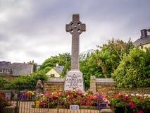 Monumento en el centro de ciudad de St Ives Cornwall - CORNUALLES, INGLATERRA - 12 DE AGOSTO DE 2018 imagenes de archivo