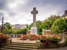 Monumento en el centro de ciudad de St Ives Cornwall - CORNUALLES, INGLATERRA - 12 DE AGOSTO DE 2018 foto de archivo