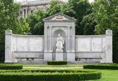 MONUMENTO EN EL PARQUE DE VIENA Fotos de archivo libres de regalías