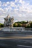 Monumento en el puente en Roma Fotografía de archivo libre de regalías