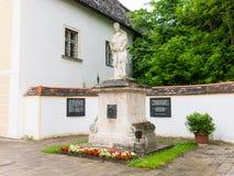Monumento en la abadía de Heiligenkreuz, bosque de Viena, Austria Fotos de archivo libres de regalías