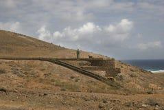 Monumento en las montañas. Fotografía de archivo libre de regalías