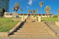 Monumento equestre del cavaliere e Alte Feste a Windhoek fotografia stock