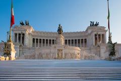 Monumento equestre a Victor Emmanuel II e Vittoriano a Roma Immagini Stock