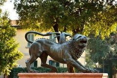 Monumento Etruscan de bronce mitológico Foto de archivo