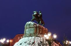 Monumento famoso a Bogdan Khmelnitsky no quadrado de Sofiyivska em Kiev imagem de stock royalty free