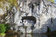 Monumento famoso del leone in Lucerna Immagini Stock Libere da Diritti