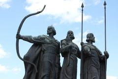 Monumento famoso a los fundadores míticos de Kiev Fotos de archivo