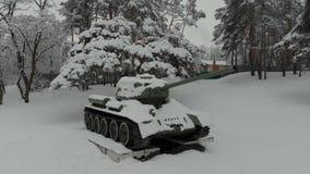Monumento hist?rico do tanque T-34 video estoque