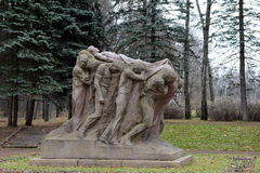 Monumento il funerale del capo Scultore Sergey Merkurov in Leninskiye Gorki fotografia stock