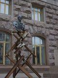 Monumento informal ao poeta Shevchenko perto da câmara municipal em K imagens de stock