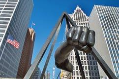 Monumento a Joe Louis, ` il ` del pugno, Hart Plaza, Detroit, Michigan fotografie stock libere da diritti