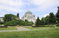 Monumento Karageorge di commemorazione Petrovitch davanti alla cattedrale del san Sava a Belgrado, Serbia immagini stock libere da diritti